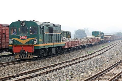 Vận chuyển hàng từ Sài Gòn đi ra Yên Bái bằng tàu hỏa giá rẻ, an toàn