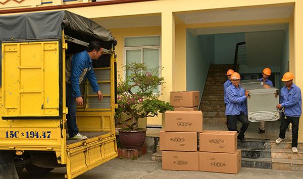 Dịch vụ chuyển nhà, văn phòng trọn gói, giá rẻ, uy tín bằng tàu hỏa